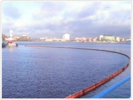 15/10/2008 Было выставлено 300 метров боновых заграждений.