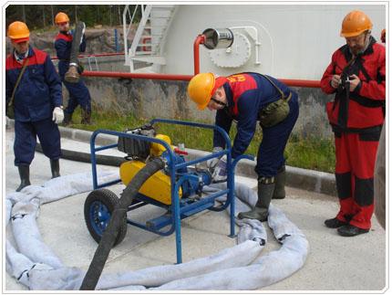 06/08/2009 Сорбирующие боны - используются для ограждения места базирования техники